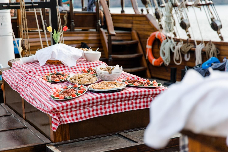 Essen am Boot